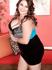Nikki: Sexy And Smart
