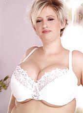 Click If You Love Huge Fat Tits!