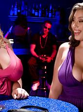 Selena And Scarlett Are Horny Tonight