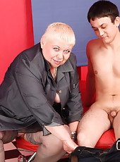 XXL mature nympho enjoying a nookie with a younger guy