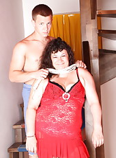 Flogging and anal sex turn this chubby old ho on so badly