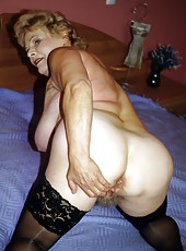 Horny grannies get on all four to worship a cock