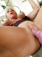 A whole bunch of hot photos of this middle aged mother suck