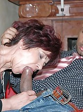 Old bitch Katala gets fist into her cunt and facial