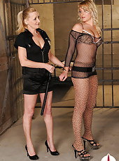 Naughty girl let h pussy pumbed by jailhouse guard