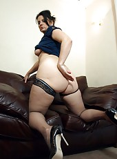 Horny big ass milf in fishnet thigh high stockings shows off her juicy cunt
