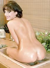 Housewife Milfs