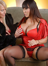 Ava has come over today and she wants the Girlfriend Experience!