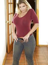 Milf in Jeans