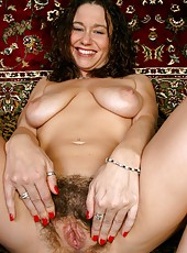 Hot Hairy Mature Pussy