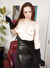 Elegant and mysterious Mystique from AllOver30 rubs her hairy box