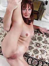Beautiful and elegant Jaden from AllOver30 exposing her mature beaver