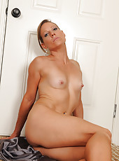 After a long day at work 32 year old Alyssa Dutch relaxes naked