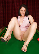39 year old brunette Amber L has a bunch of fun on the pool table