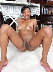 Tight bodied ebony MILF Jayden breaks from her chores to spread