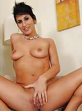 Elegant and classy MILF Sophia Bella from AllOver30 playing with pearls