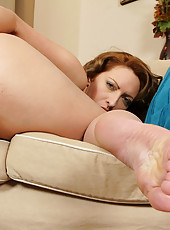 Blonde and busty MILF Salinas stabs her meaty pussy with her toy