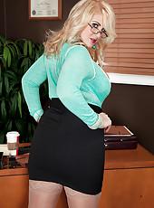 The Hot Secretary