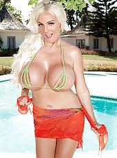 Dollys Bikini Delight
