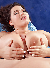 The Magnificent Mounds Of Melonie Max