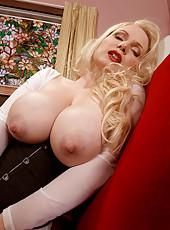 Nipple Queen