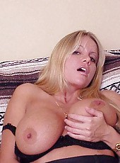 Natual big tits on this blonde sex goddess