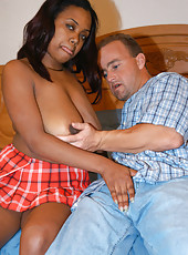 Ebony cutie gives a great tit job
