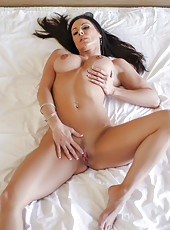 Kendra Lust tries on her dress and a thick cock
