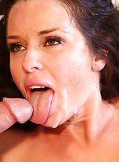 Sexy MILF Veronica Avluv can
