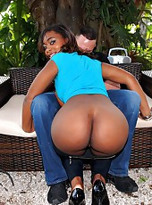 Super hot big round booty babe lauren gets her hot fucking ass pussy rammed poolside after teasing in these hot ebony pics