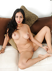 Exotic and sexy Bianca Mendoza spreading her 33 year old pussy