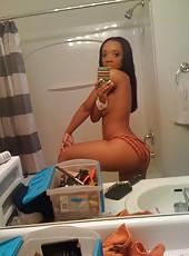 Bootylicious amateur sexy hot ebony babe selfshooting