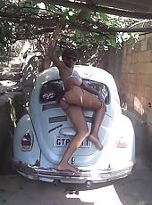 Sleazy amateur horny ebony teen in her skanky poses