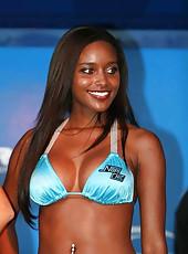 Hot ebony bombshell looking hot in a swimsuit