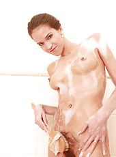 Sexy shower with hairy Silvie Delux