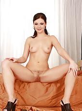 All natural sexy babe rides a cock!