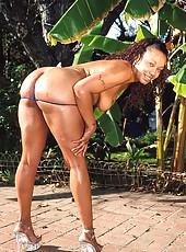 Hot ebony slut sucking back a load of cum