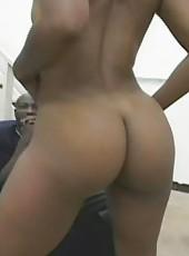 Dark-skinned sistah stretching her holes on hard cock