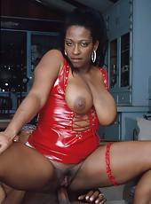 Fiery hot ebony slut getting her ass slammed