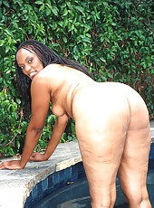 Round bottomed black babes getting stuffed in a 4way