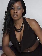 Photo gallery of amateur sexy kinky ebony babes
