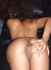 Picture collection of a sexy amateur naked mulatto babe