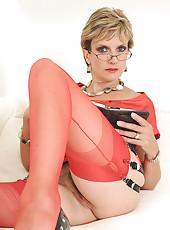 Red nylons mature