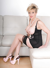 High glamour milf