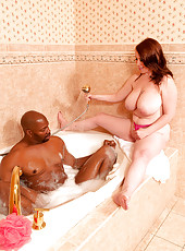 Tits And Tugs In A Tub