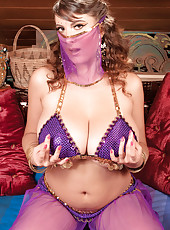 Belly Dancing And Boob Jiggling Valory-style