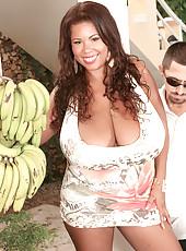 Busty Island Sex Goddess