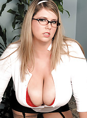 This Secretary Has A Huge Rack!
