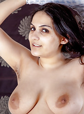 Riani is a woman that is determined to seduce her lover. This hairy girl goes to her lover