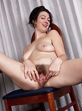After a long day at school Sexy Sadie Lune tries to come home to study, but she keeps getting distracted. She decides to take a little study break by stripping down in this hairy porn.